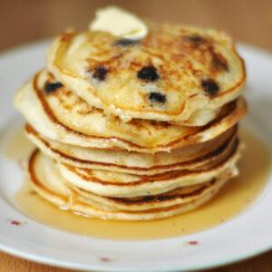 Buttermilch-Pancakes mit Blaubeeren - Blueberry Lemon Pancakes