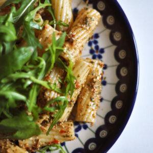 Pesto Trapanese mit frischen Tomaten, Mandeln und Basilikum
