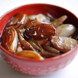 Karamellisierte Portwein-Schalotten