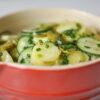 Lauwarmer Kartoffelsalat mit Essig und Öl