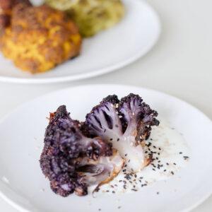 4x im Ganzen gerösteter Blumenkohl mit Olivenöl Miso Curry Paprika