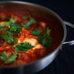 Kefta Tajine mit Hackbällchen in Tomatensauce