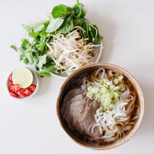 Vietnamesische Rinderbrühe - Pho Bo