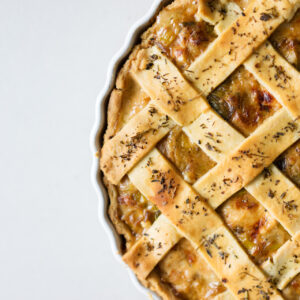 Französische Hähnchen-Lauch-Pastete - Tourte au poulet