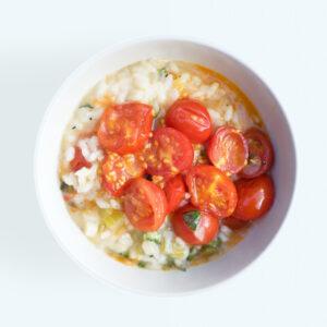 Risotto mit geschmorten Tomaten und Basilikum