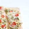 6_Flammkuchen mit grünem Spargel, Tomaten und Pinienkernen